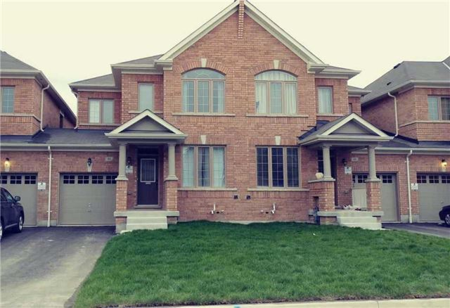 pictures of 46 Jake Smith Way, Whitchurch-Stouffville L4A4P8