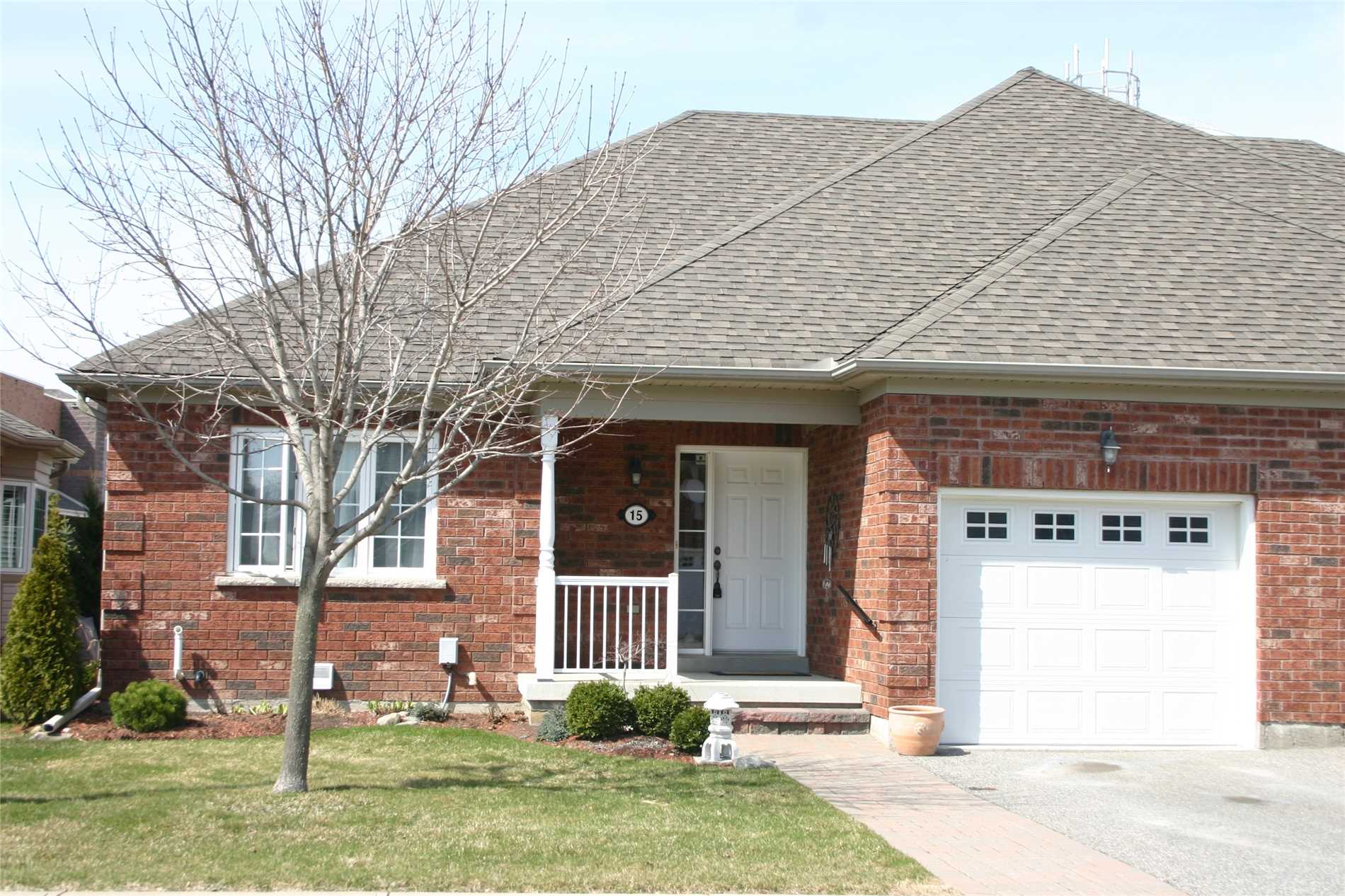pictures of 15 Norm Faulkner Dr, Whitchurch-Stouffville L4A0M2