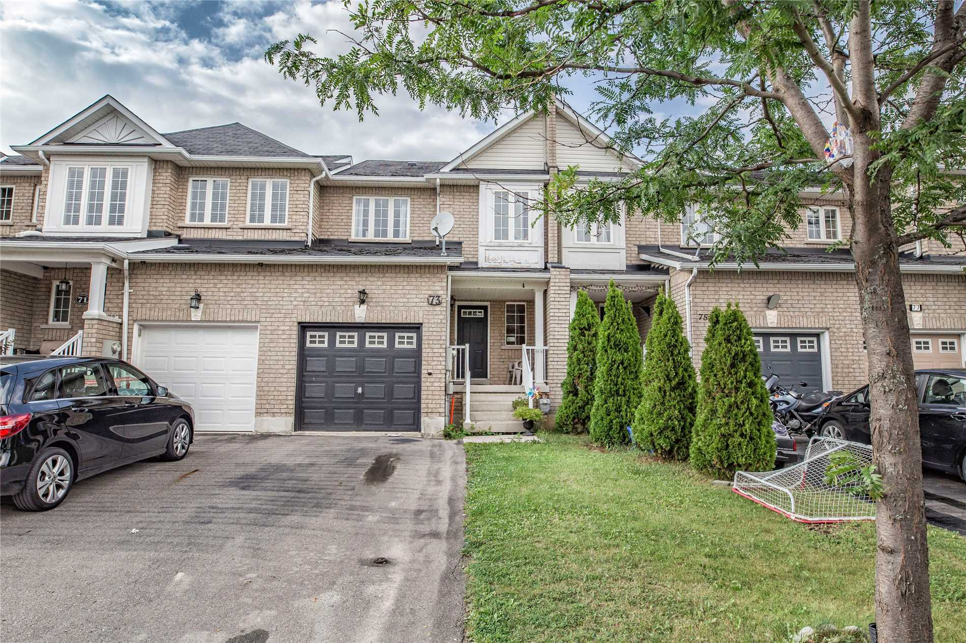 pictures of 73 Lindenshire Ave, Vaughan L6A4A6