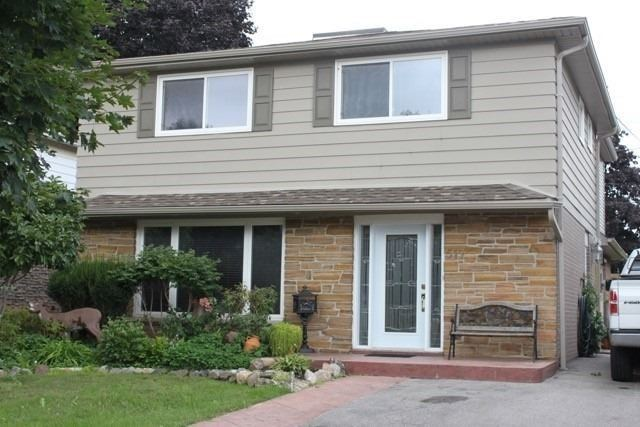 pictures of 517 Rupert Ave, Whitchurch-Stouffville L4A1V2