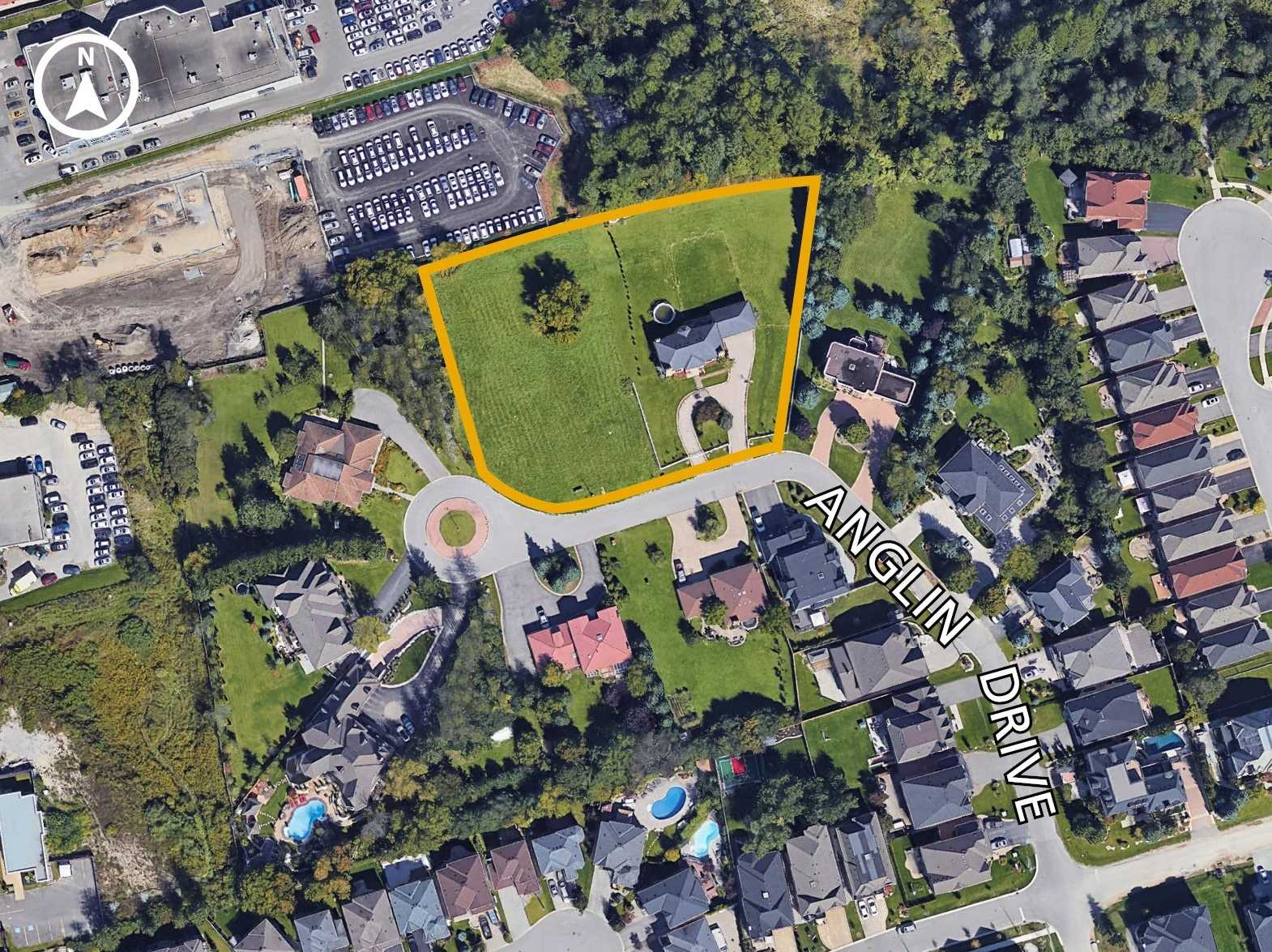 pictures of 27 Anglin Dr, Richmond Hill L4E 3M5