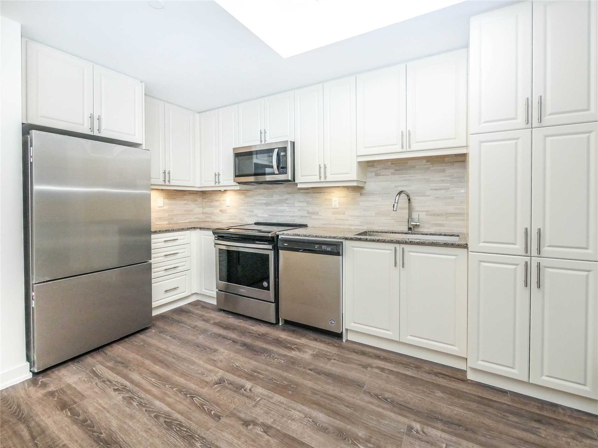 pictures of 6235 Main St, Whitchurch-Stouffville L4A 4J3