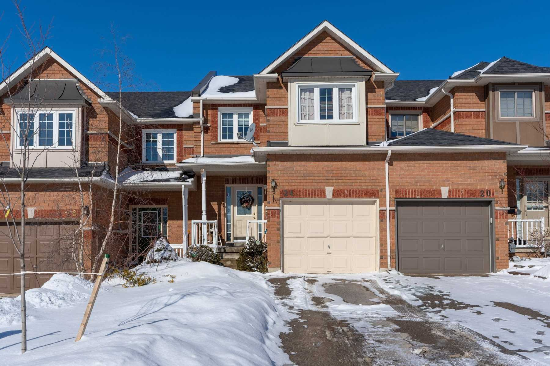 pictures of 24 Willoway Crt, Whitchurch-Stouffville L4A 1K7