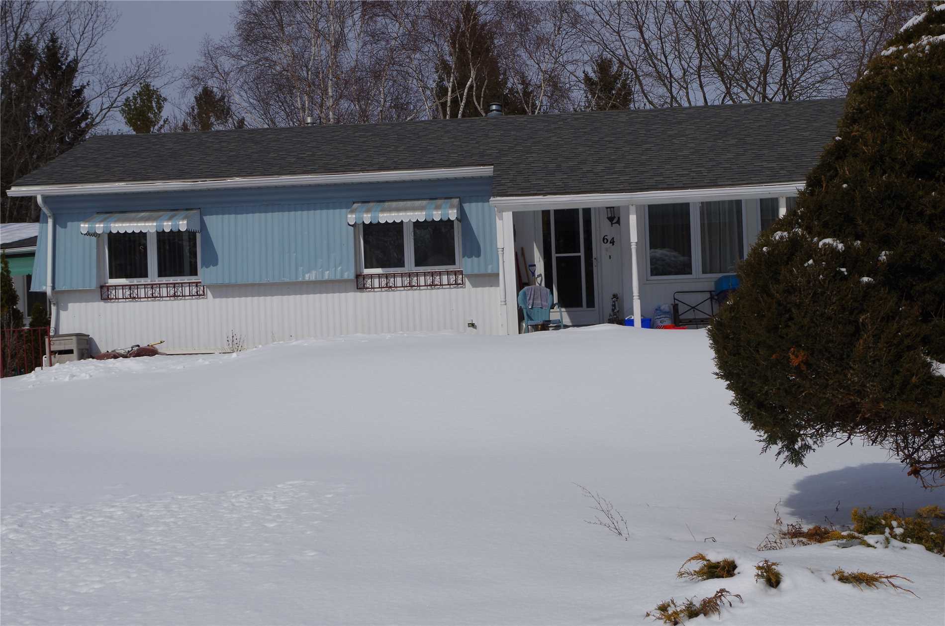 pictures of 64 Main St, Innisfil L9S 1N1