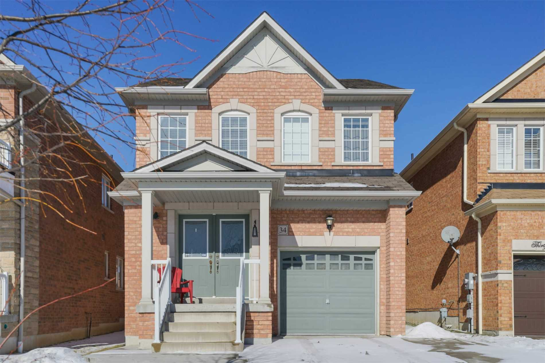 pictures of 34 Ida Jane Grve, Whitchurch-Stouffville L4A0S3