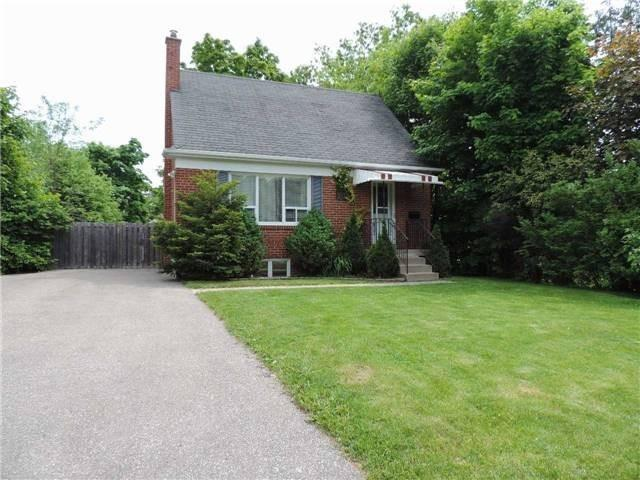 pictures of 117 Lawrence Ave, Richmond Hill L4C1Z3