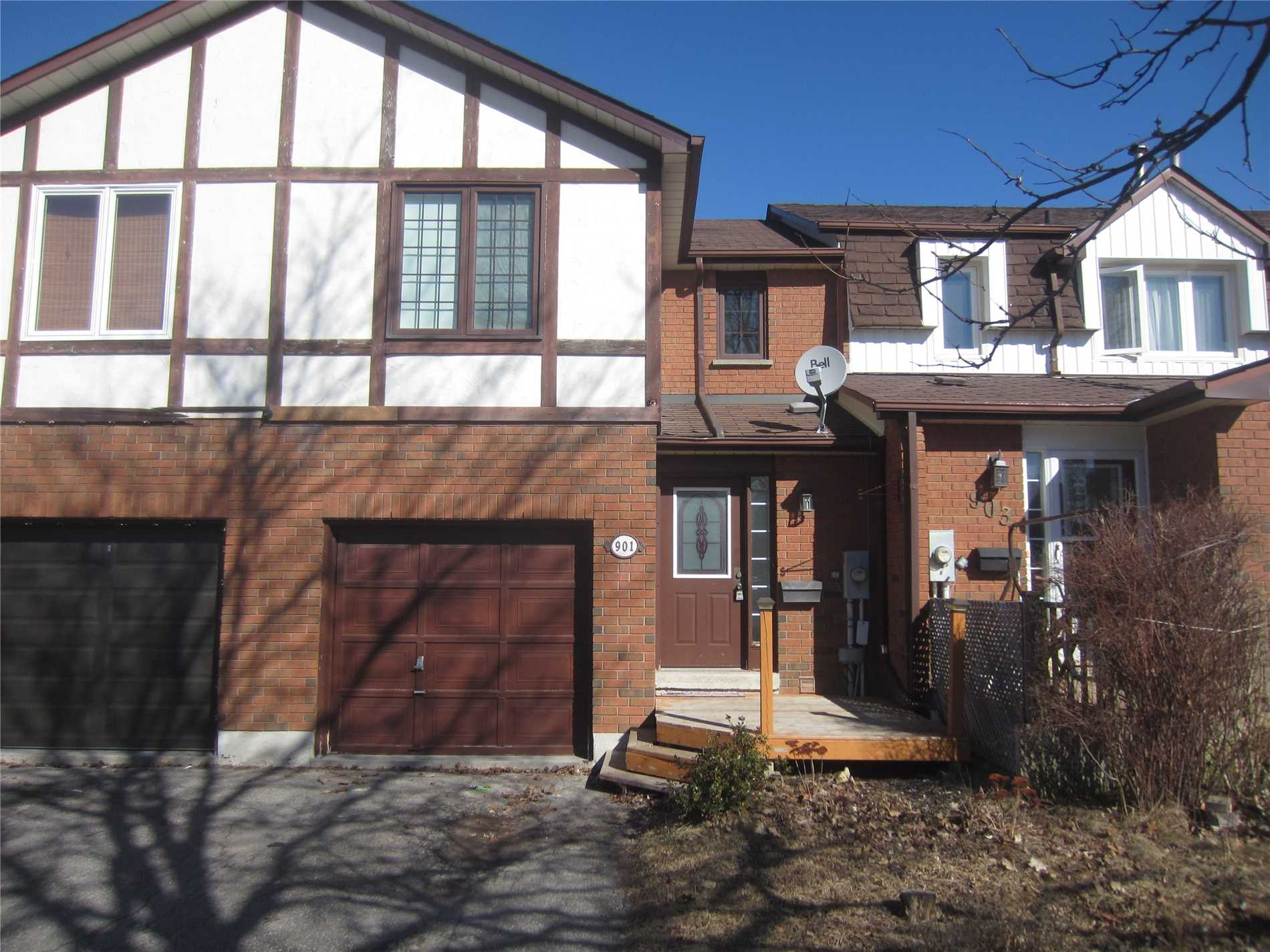 pictures of 901 Clancey Cres, Newmarket L3Y8H1