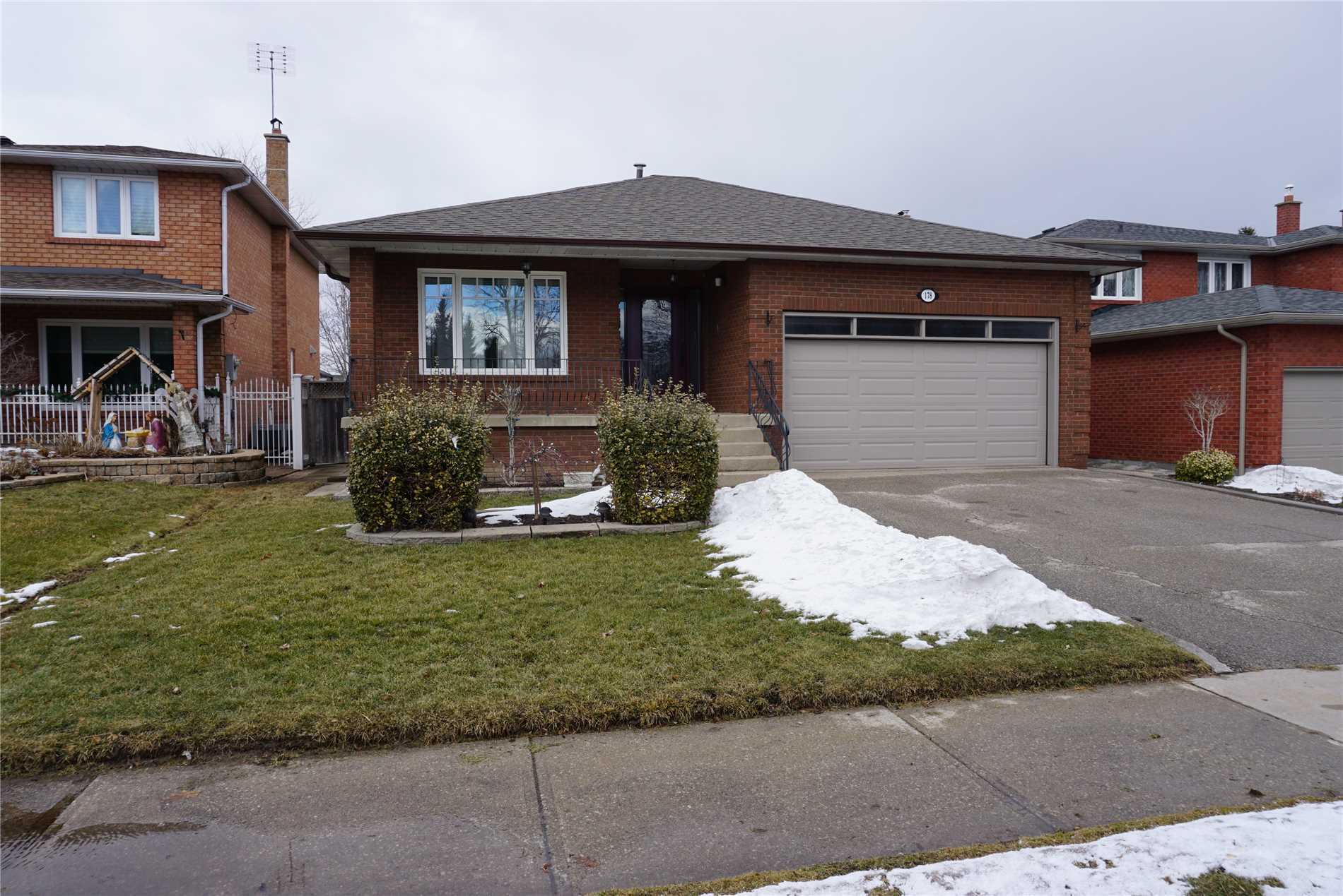 pictures of 178 Helen St, Vaughan L4L3S6