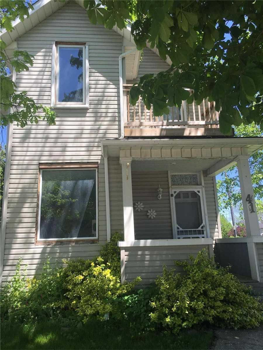 pictures of house for sale MLS: N4477700 located at 41 Queen St S, New Tecumseth L0G1W0