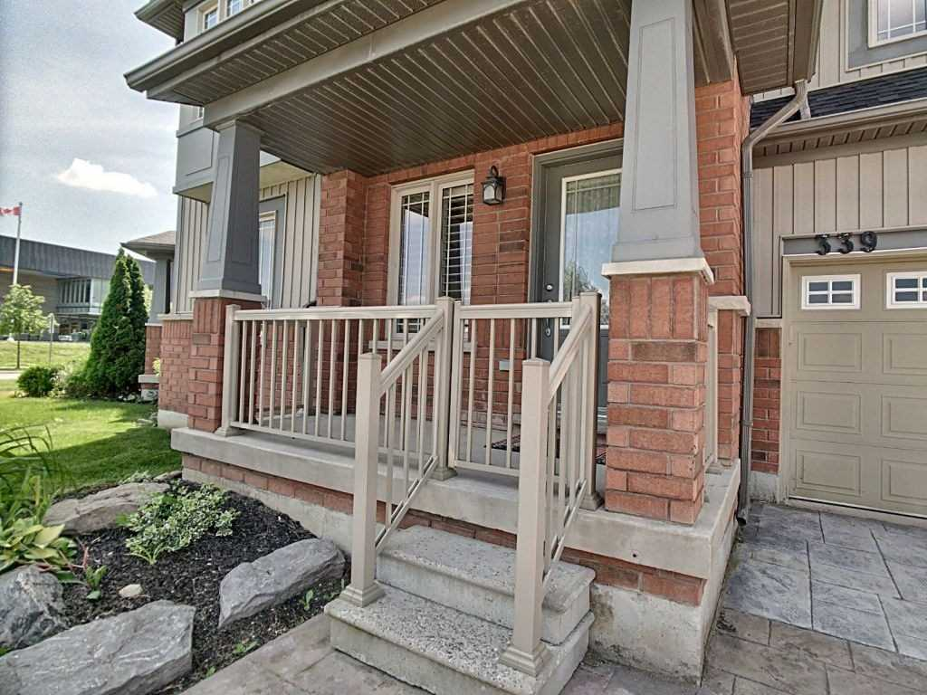 pictures of house for sale MLS: N4515289 located at 339 Miller Park Ave, Bradford West Gwillimbury L3Z0B9