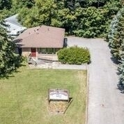 pictures of 4942 Aurora Rd, Whitchurch-Stouffville L7A7X4