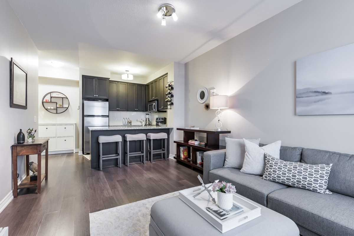 Image 5 of 20 showing inside of 1 Bedroom Condo Apt Apartment for Sale at 9245 Jane St Unit# 1603, Vaughan L6A0J9