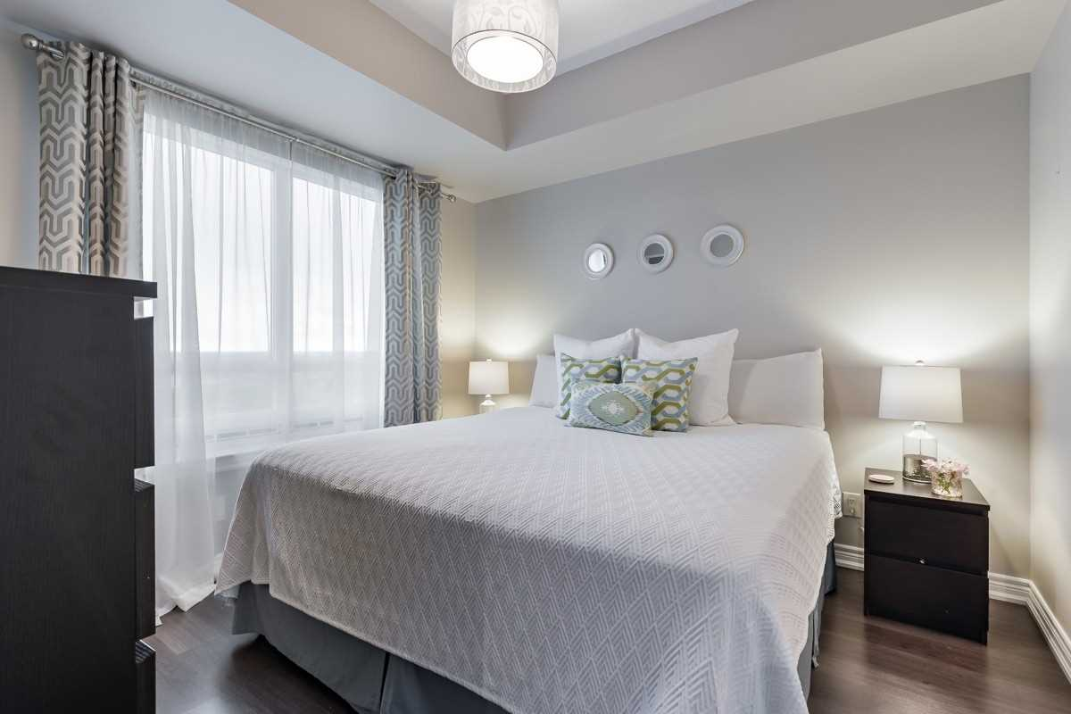 Image 8 of 20 showing inside of 1 Bedroom Condo Apt Apartment for Sale at 9245 Jane St Unit# 1603, Vaughan L6A0J9