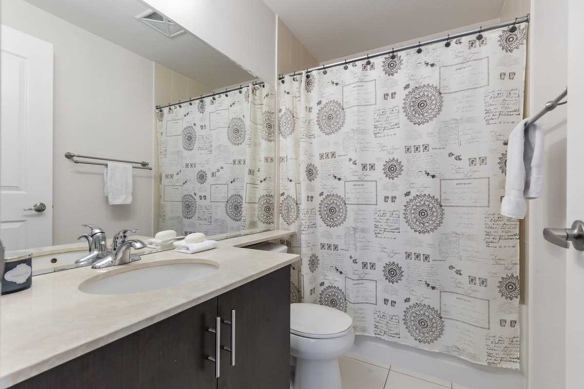 Image 11 of 20 showing inside of 1 Bedroom Condo Apt Apartment for Sale at 9245 Jane St Unit# 1603, Vaughan L6A0J9