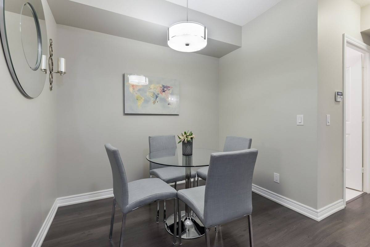 Image 15 of 20 showing inside of 1 Bedroom Condo Apt Apartment for Sale at 9245 Jane St Unit# 1603, Vaughan L6A0J9