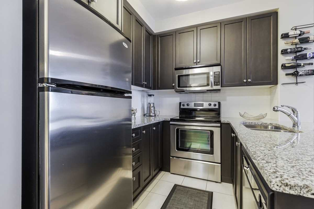 Image 17 of 20 showing inside of 1 Bedroom Condo Apt Apartment for Sale at 9245 Jane St Unit# 1603, Vaughan L6A0J9