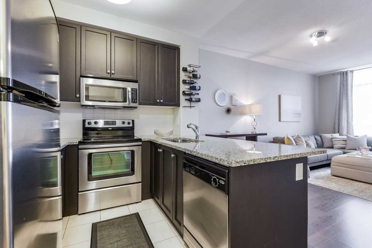 Image 18 of 20 showing inside of 1 Bedroom Condo Apt Apartment for Sale at 9245 Jane St Unit# 1603, Vaughan L6A0J9