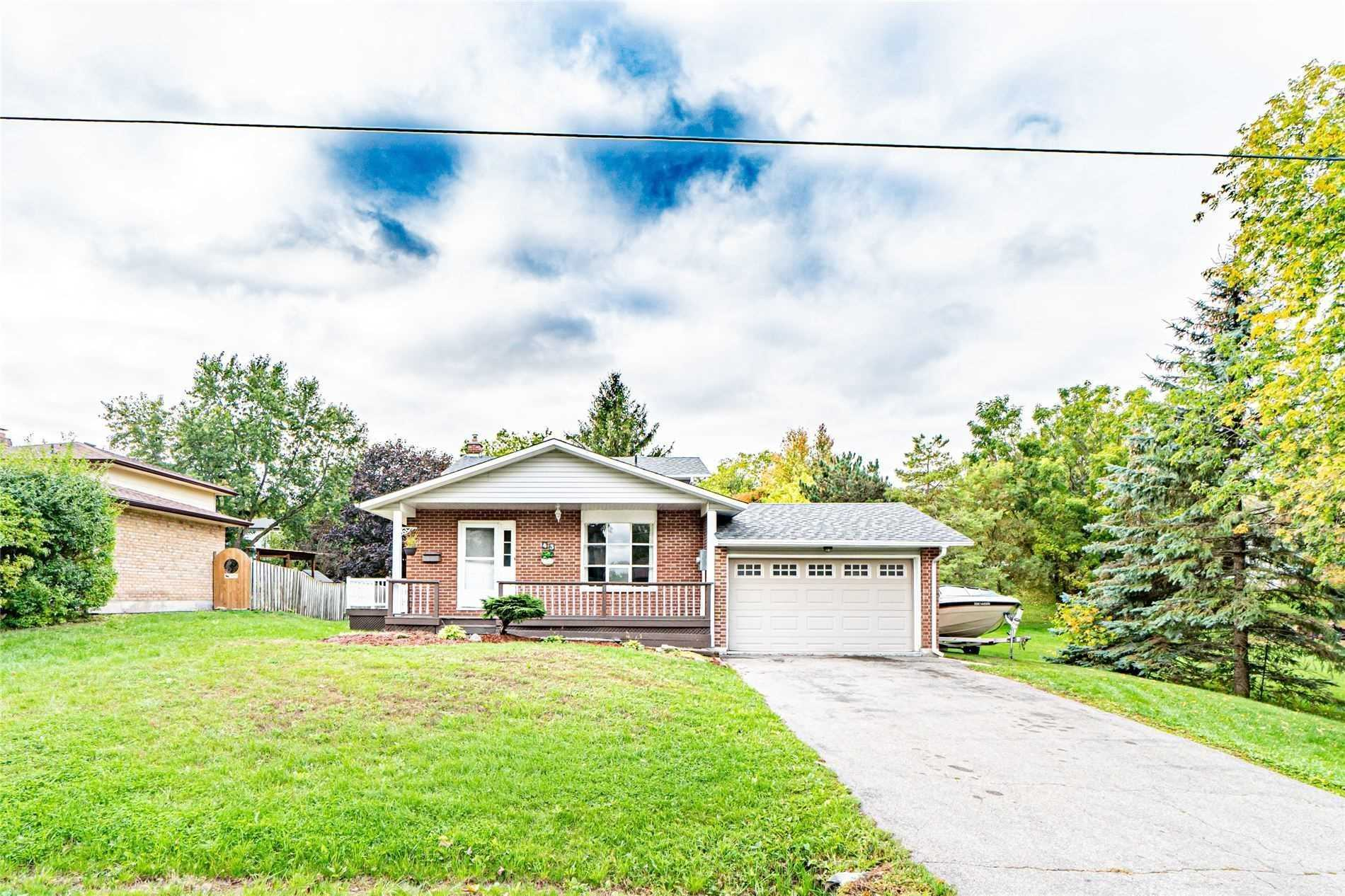 pictures of house for sale MLS: N4621111 located at 43 School St, East Gwillimbury L9N1K6
