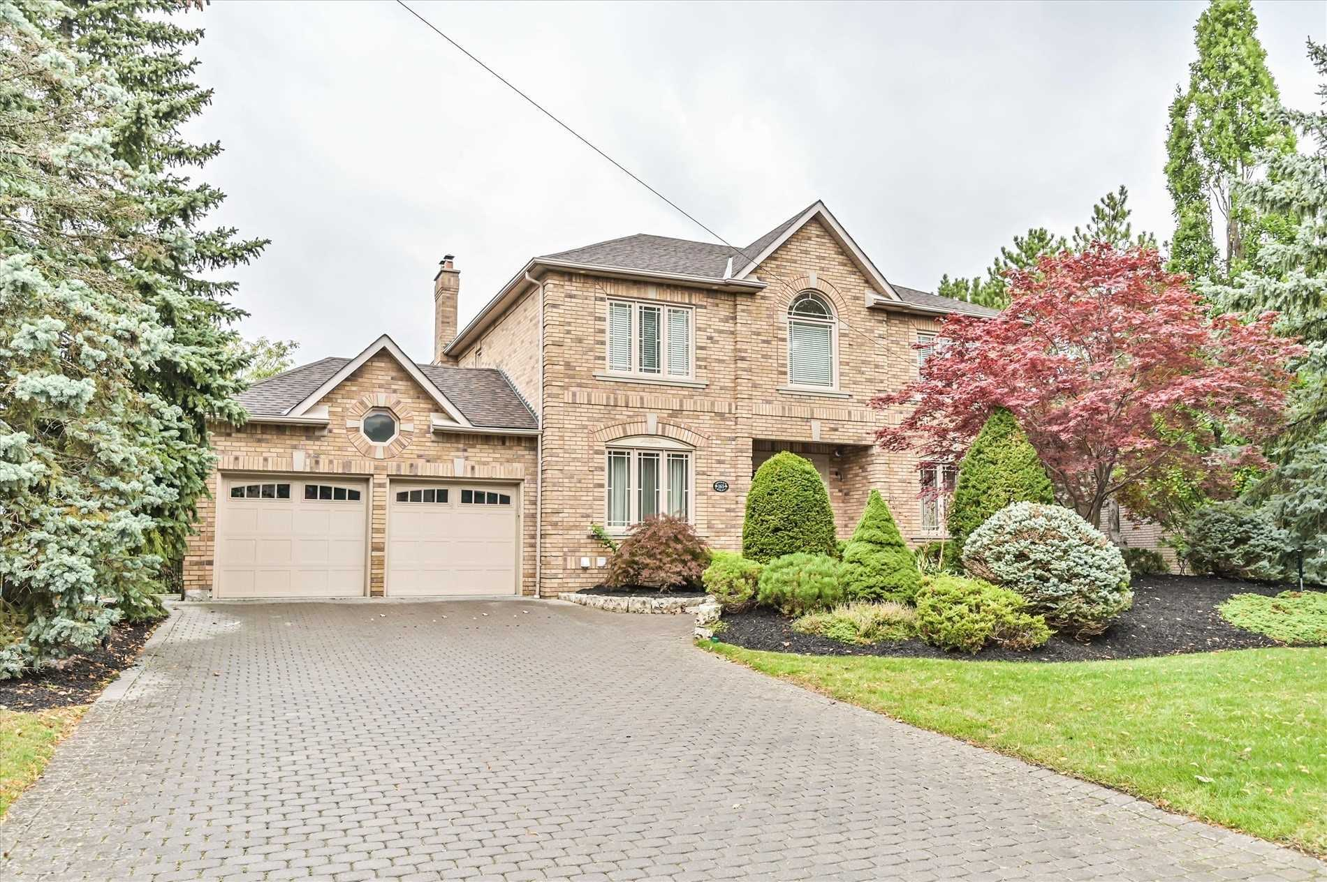 pictures of house for sale MLS: N4634066 located at 165 Longview Cres, Vaughan L4H1A9