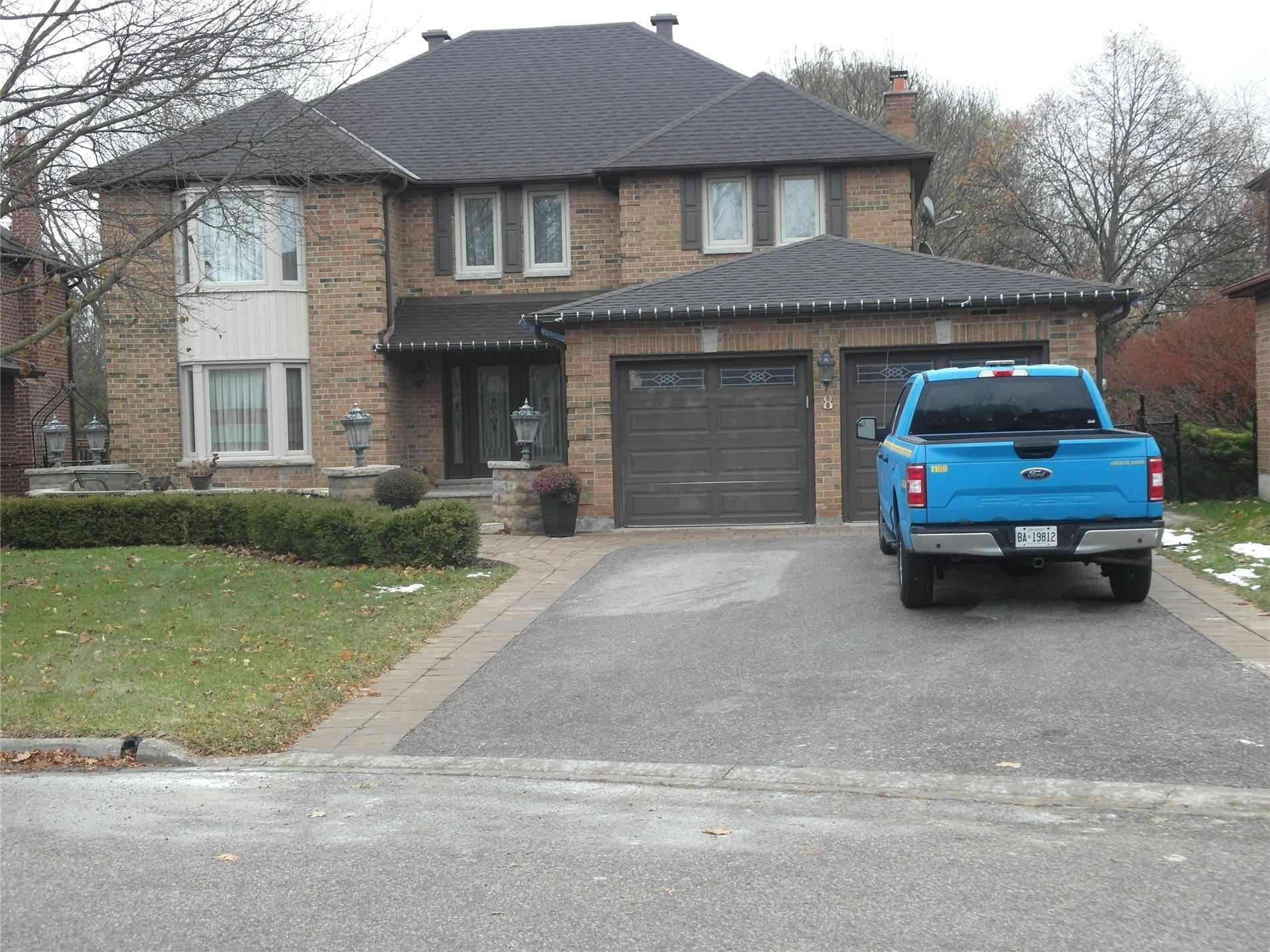 pictures of 8 Petch Cres, Aurora L4G5N7