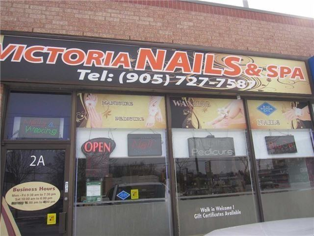 pictures of 15483 Yonge St, Aurora L4G1P3
