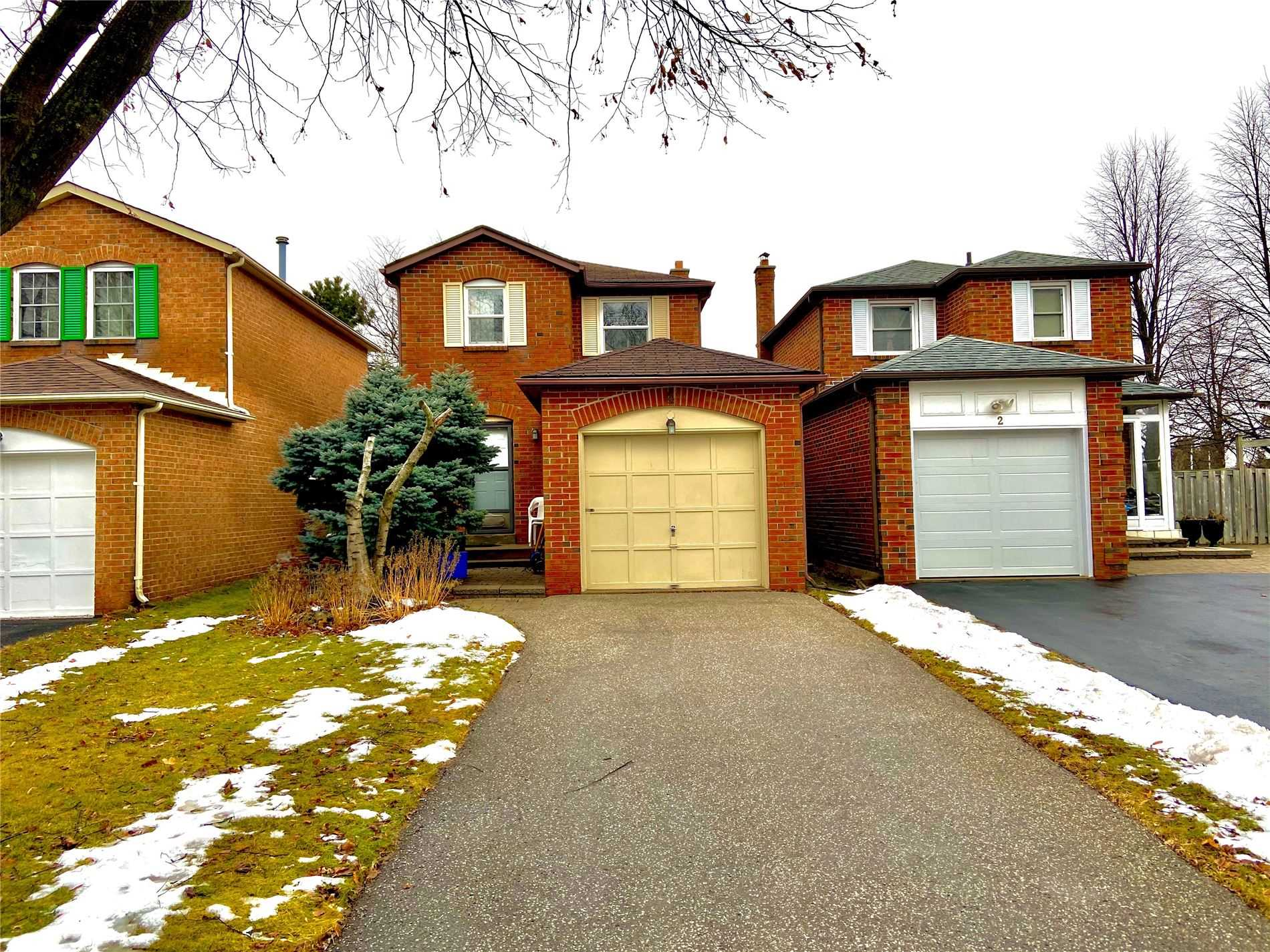 pictures of house for sale MLS: N4665392 located at 4 Miley Dr, Markham L3R4V3