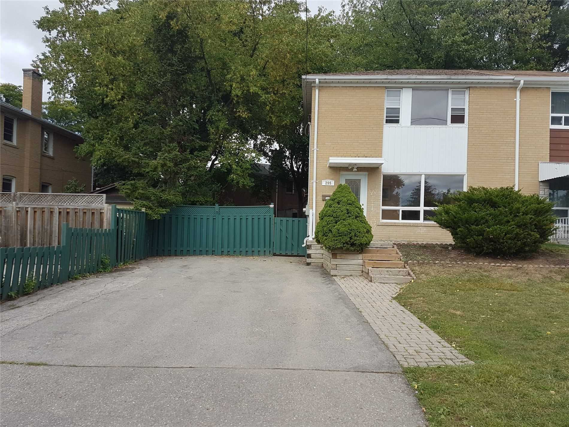 pictures of 295 Kerswell Dr, Richmond Hill L4C2X1