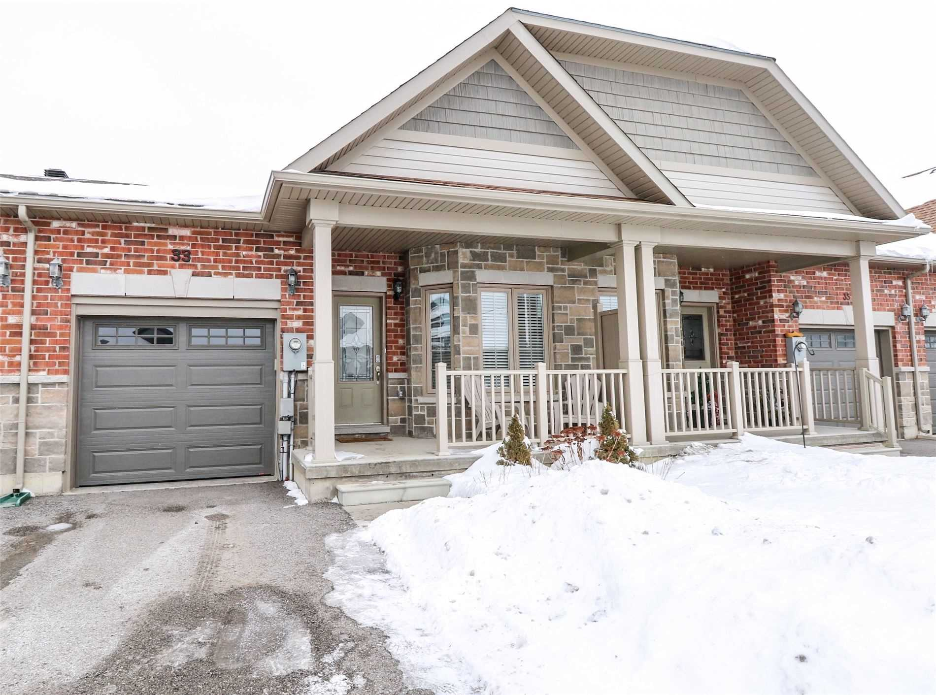 pictures of house for sale MLS: N4674889 located at 33 Kingsmere Cres, New Tecumseth L9R0K6