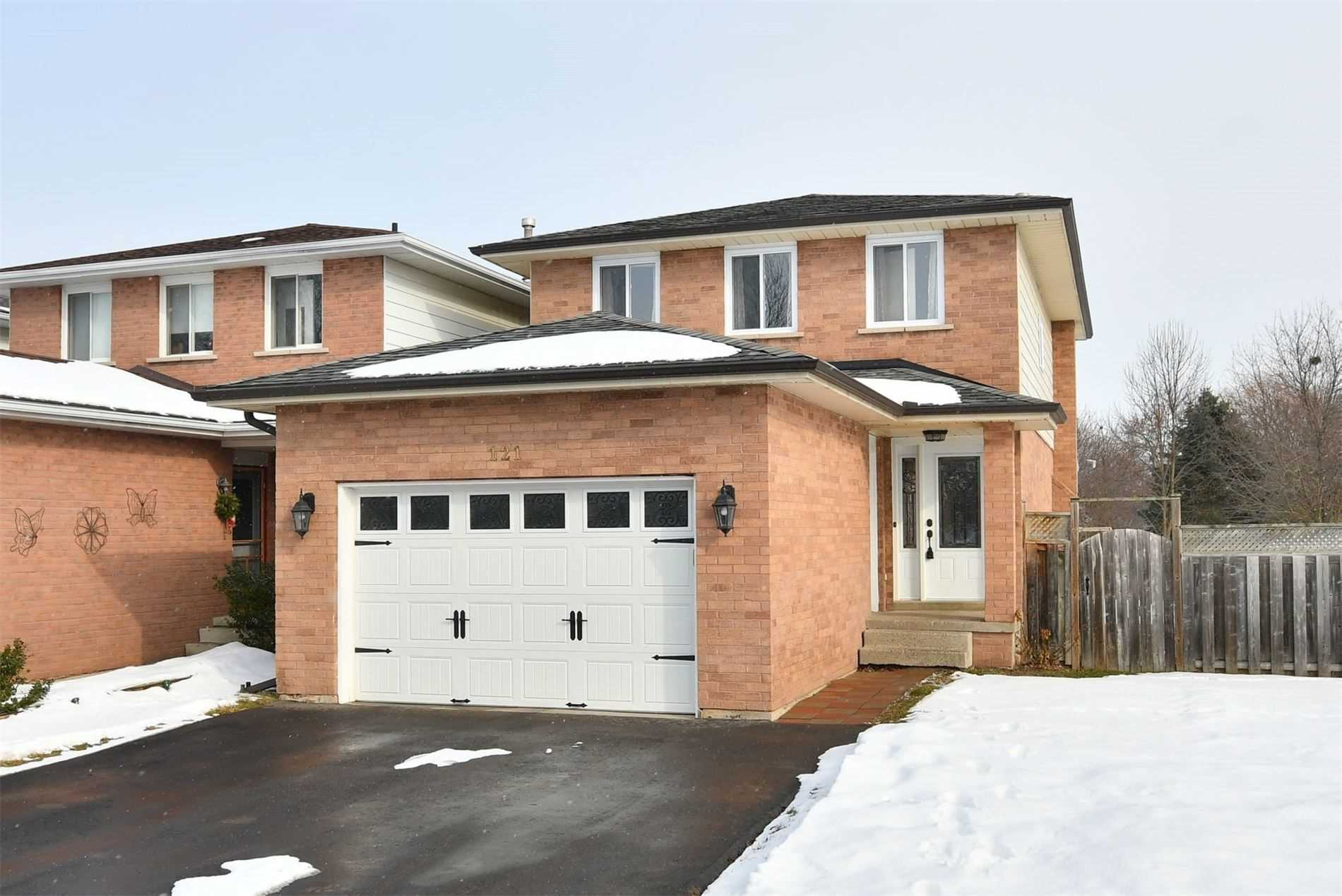 pictures of house for sale MLS: N4681295 located at 121 Beattie Ave, New Tecumseth L9R1C3