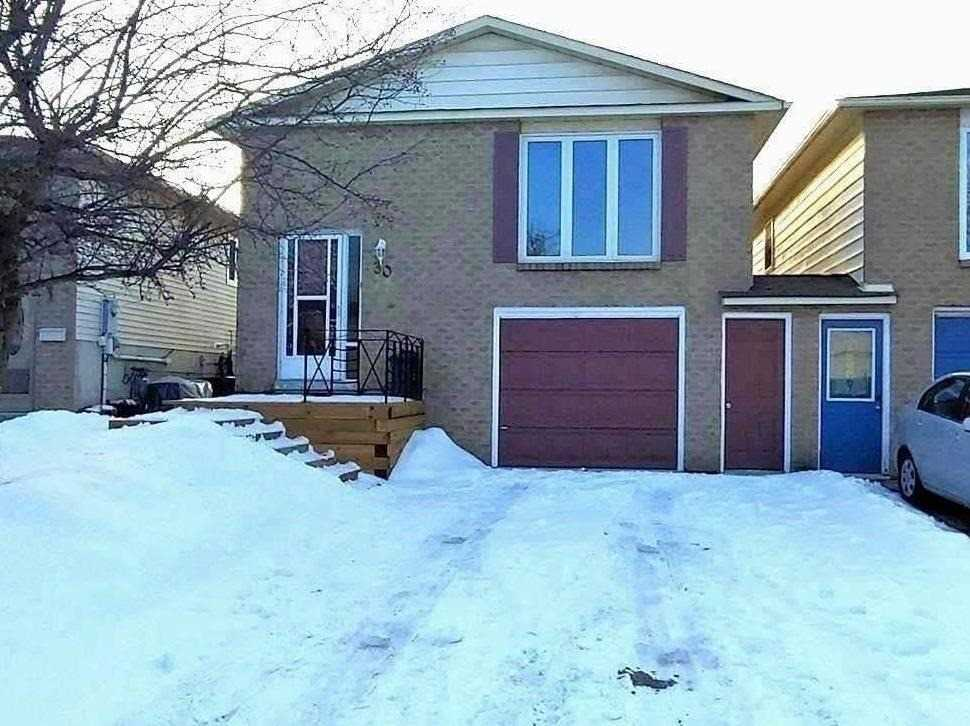 pictures of house for sale MLS: N4682290 located at 30 Longview Dr, Bradford West Gwillimbury L3Z2H2