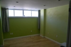 Image 3 of 25 showing inside of 2 Bedroom Detached Bungalow-Raised for Lease at 3 Kemano Rd, Aurora L4G2X9