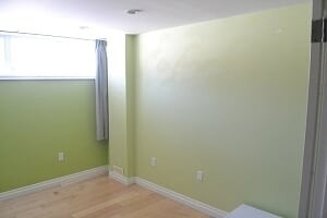Image 7 of 25 showing inside of 2 Bedroom Detached Bungalow-Raised for Lease at 3 Kemano Rd, Aurora L4G2X9