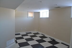 Image 10 of 25 showing inside of 2 Bedroom Detached Bungalow-Raised for Lease at 3 Kemano Rd, Aurora L4G2X9