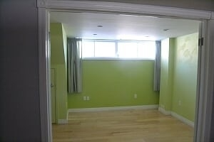 Image 11 of 25 showing inside of 2 Bedroom Detached Bungalow-Raised for Lease at 3 Kemano Rd, Aurora L4G2X9