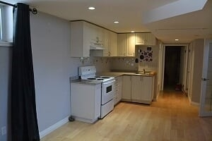 Image 14 of 25 showing inside of 2 Bedroom Detached Bungalow-Raised for Lease at 3 Kemano Rd, Aurora L4G2X9