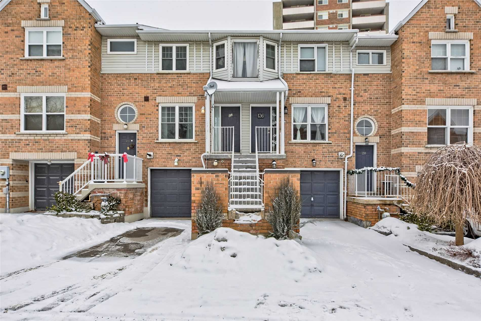pictures of 138 Brandy Lane Way, Newmarket L3Y8P7