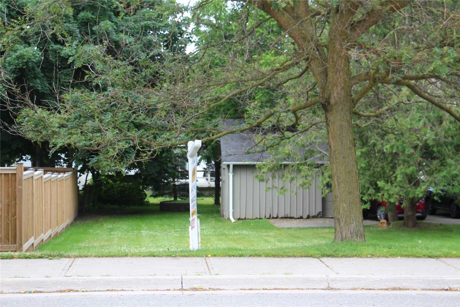 pictures of house for sale MLS: N4688643 located at 30 Main St S, Uxbridge L9P1J4
