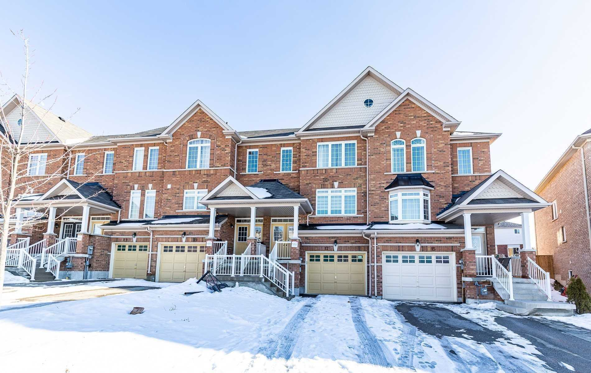pictures of house for sale MLS: N4690962 located at 17 Matthewson Ave, Bradford West Gwillimbury L3Z0P3