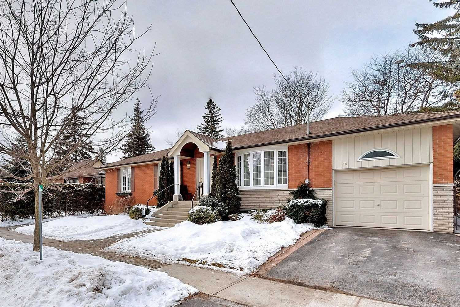 pictures of house for sale MLS: N4691463 located at 46 William St, Whitchurch-Stouffville L4A1B6