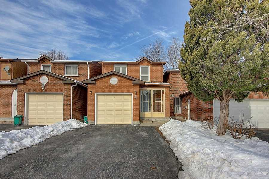 pictures of house for sale MLS: N4691545 located at 34 Tangmere Cres, Markham L3R6Y8