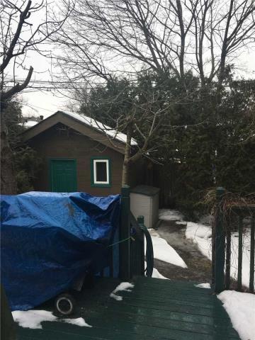 Image 4 of 13 showing inside of 4 Bedroom Semi-Detached Apartment for Lease at 18 Richardson Dr, Aurora L4G1Z1
