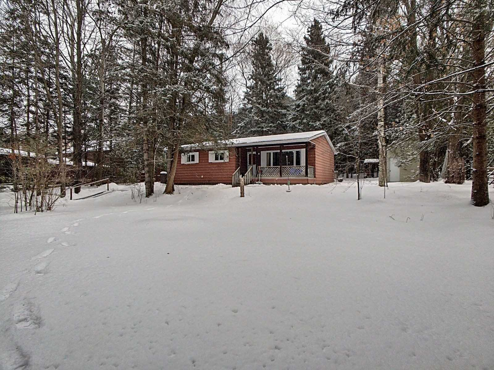 pictures of house for sale MLS: N4692661 located at 63 Wagners Rd, Uxbridge L0C1H0
