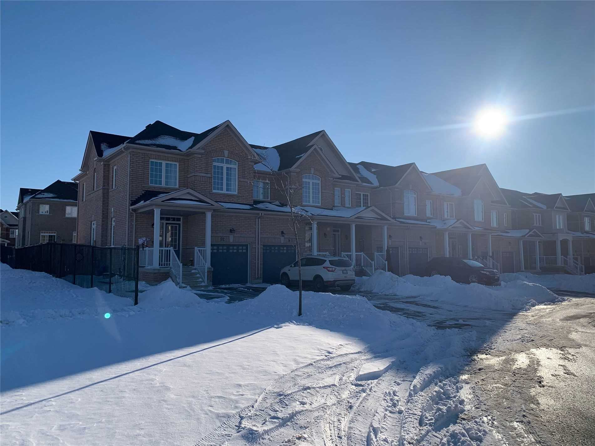 pictures of house for sale MLS: N4693810 located at 92 Luisa St, Bradford West Gwillimbury L3Z0N9