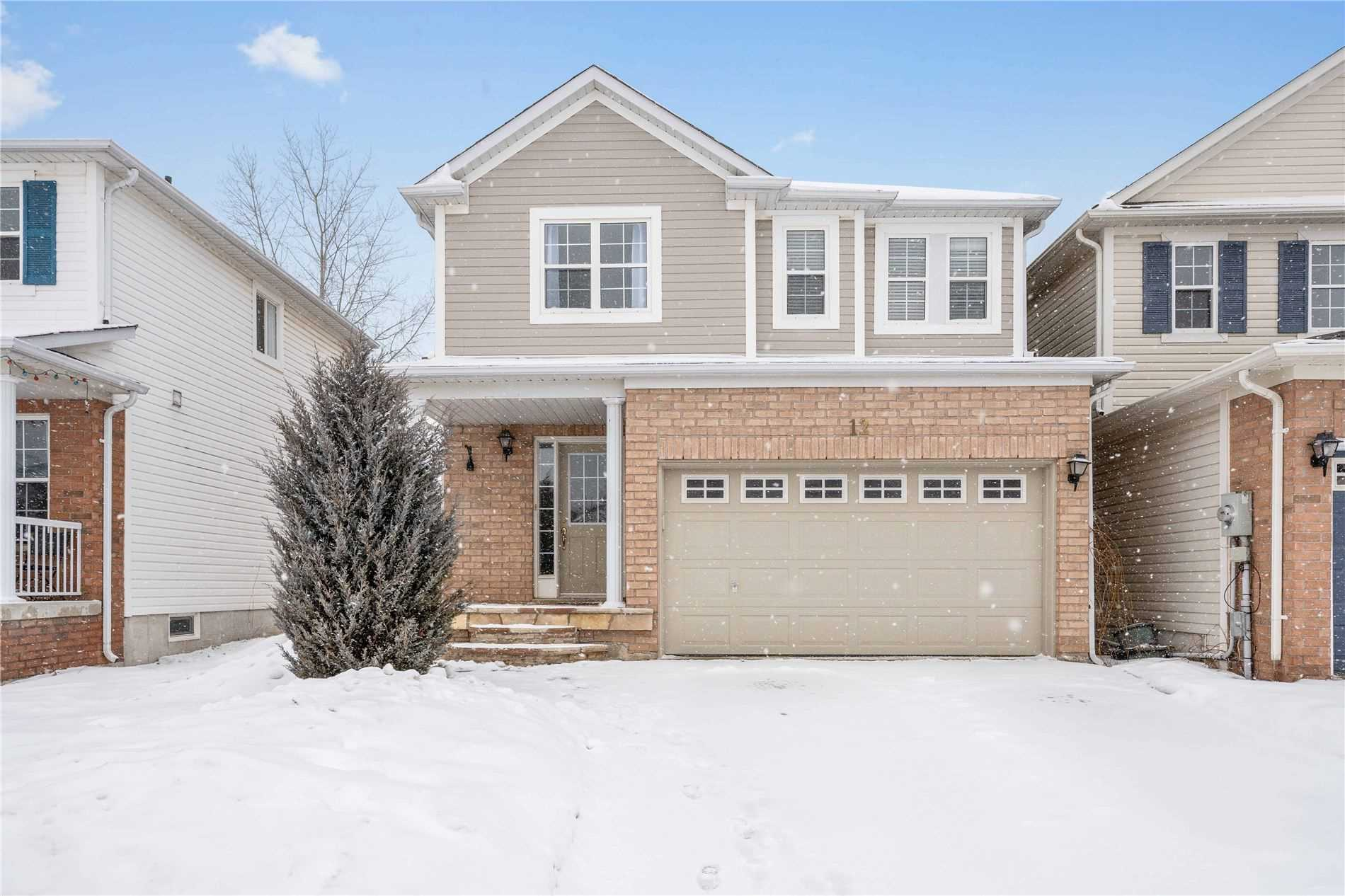pictures of house for sale MLS: N4694592 located at 12 Truax Cres, Essa L0M1B4