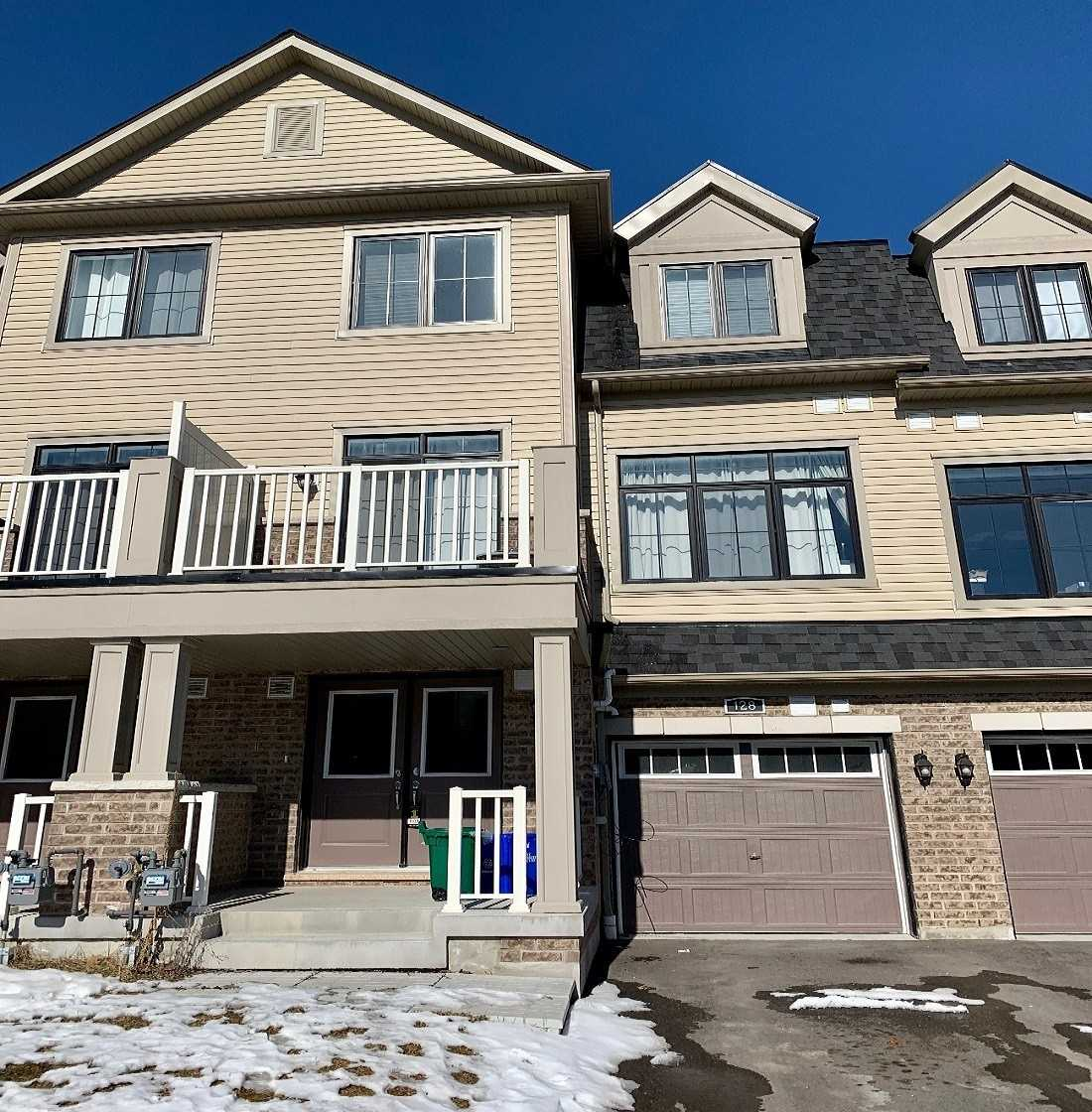 pictures of house for sale MLS: N4695609 located at 128 Alvin Pegg Dr, East Gwillimbury L9N0R7