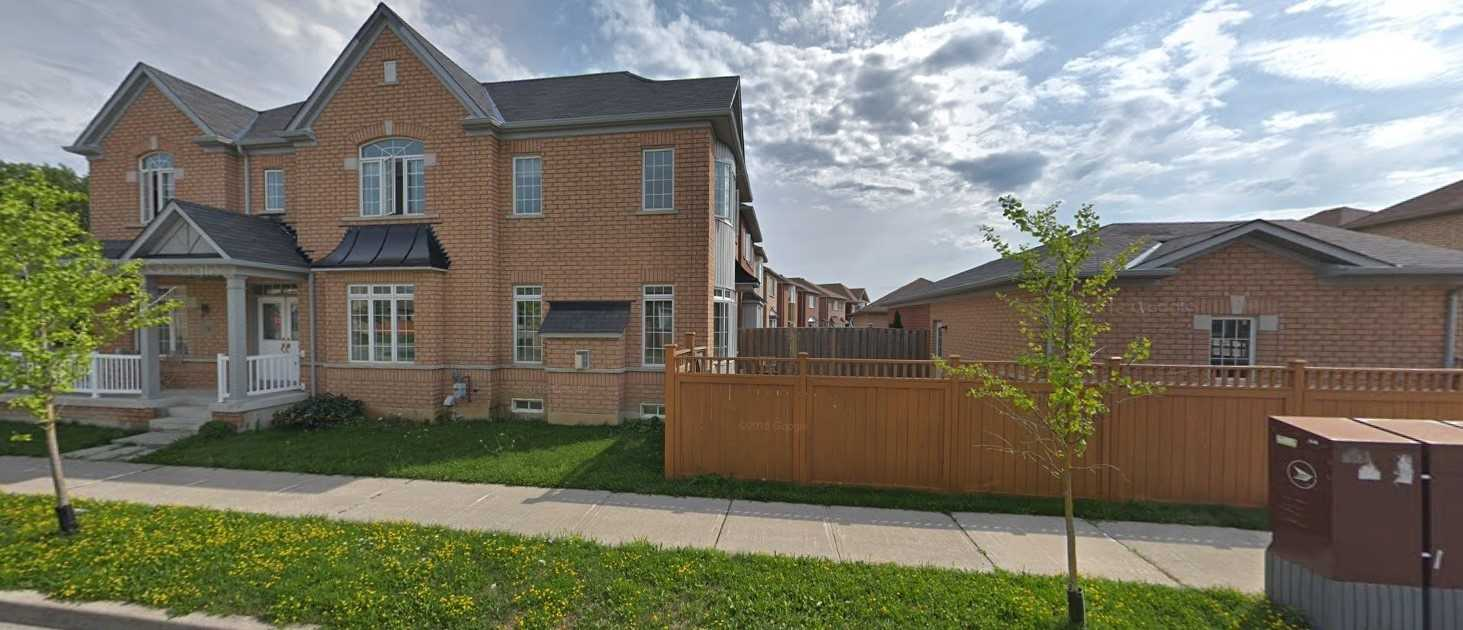 pictures of house for sale MLS: N4696273 located at 19 Autumn Glow Dr, Markham L6B0P4
