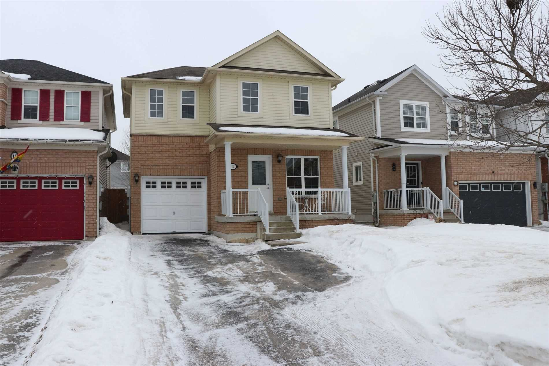 pictures of house for sale MLS: N4696287 located at 13 Truax Cres, Essa L0M1B4