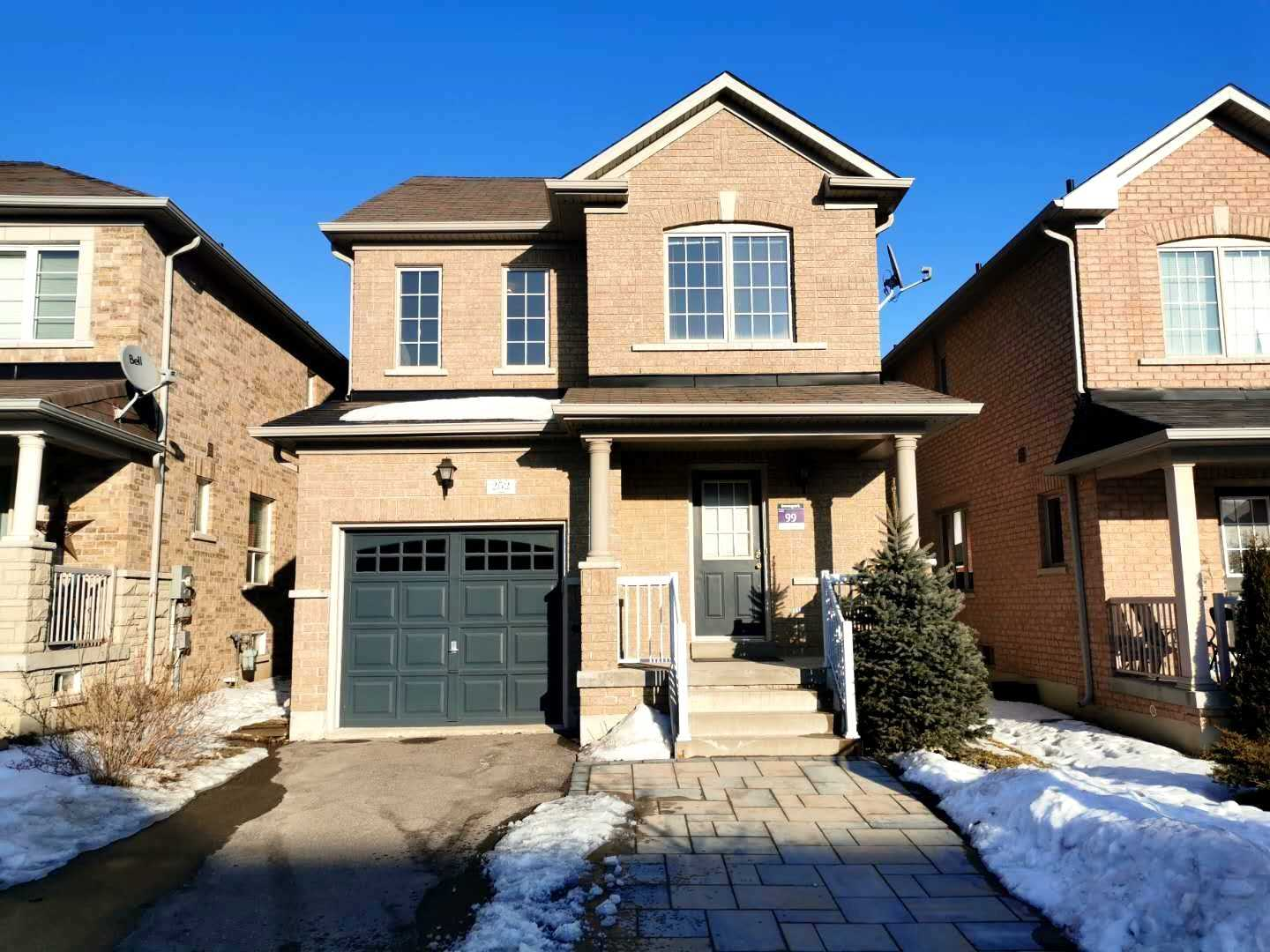 pictures of house for sale MLS: N4696800 located at 252 Lageer Dr, Whitchurch-Stouffville L4A0X1