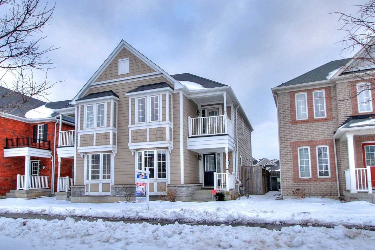 pictures of house for sale MLS: N4697037 located at 196 Gas Lamp Lane, Markham L6B1K3