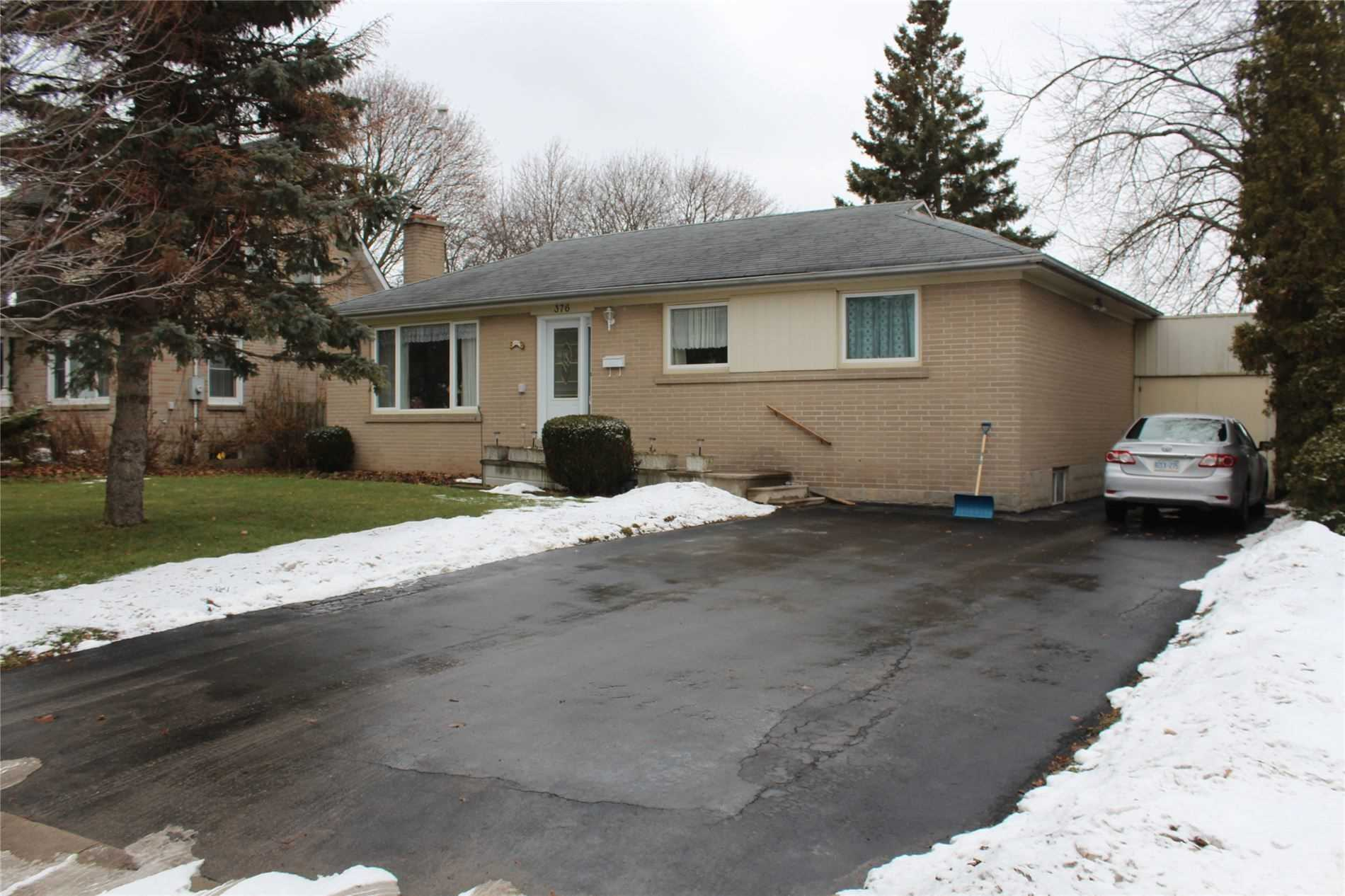 pictures of house for sale MLS: N4697147 located at 376 Rupert Ave, Whitchurch-Stouffville L4A1T2